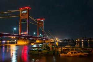 Palembango miesto simbolis- Ampera tiltas.